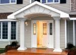 Дверь для коттеджа – это надежная защита от взлома и холода