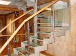 Лестница в доме - это стильно