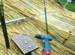 Крыша из камыша — этапы укладки